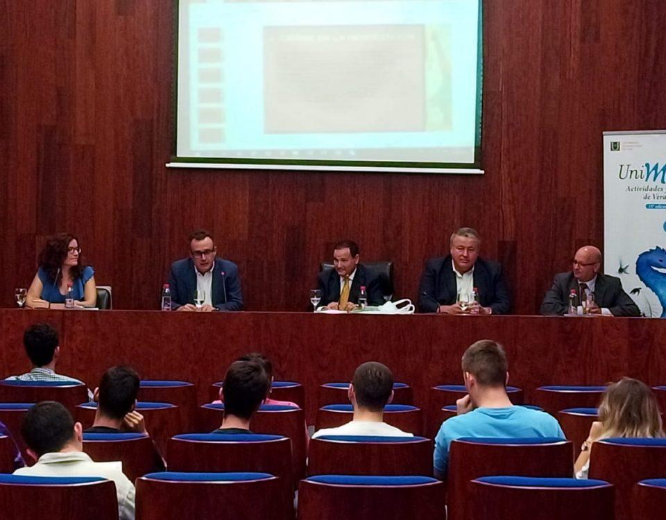 Mesa redonda Retos del Sistema Político Español (III)